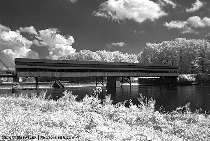 Harpersfield Bridge, black and white